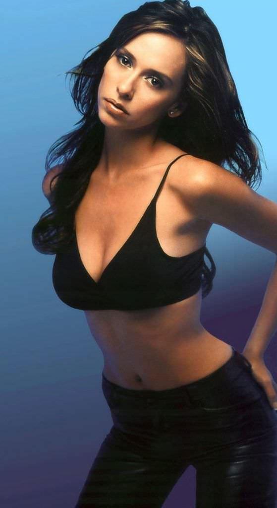 Дженнифер Лав Хьюитт фото в чёрном купальнике