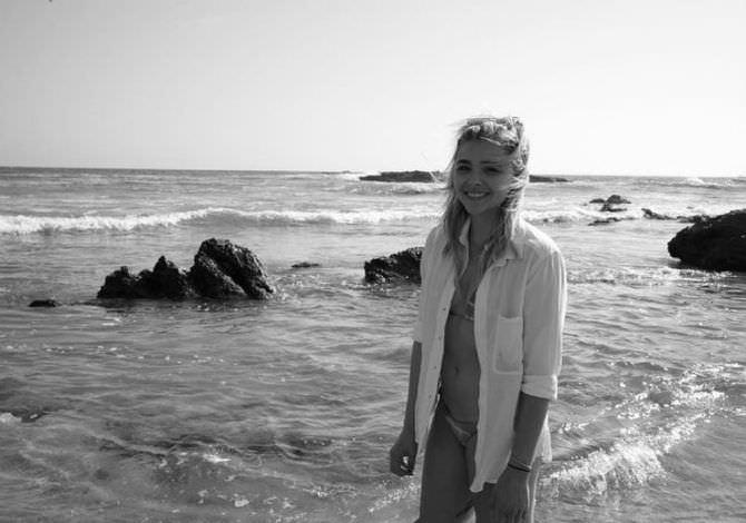 Хлоя Грейс Морец фото на пляже