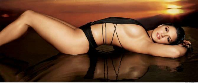 Джина Карано фото в купальнике