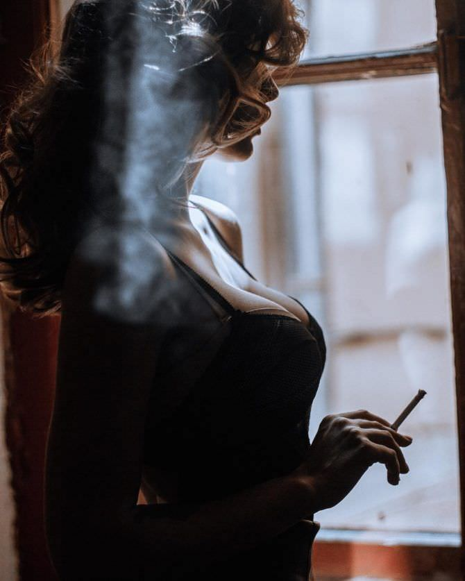 Анастасия Ивлеева фото с сигаретой