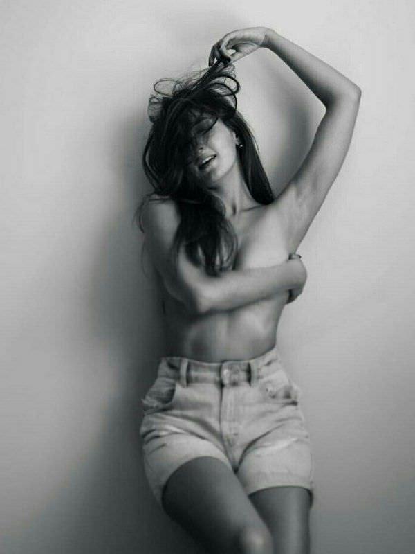 Кристина Каширина фото в шортах
