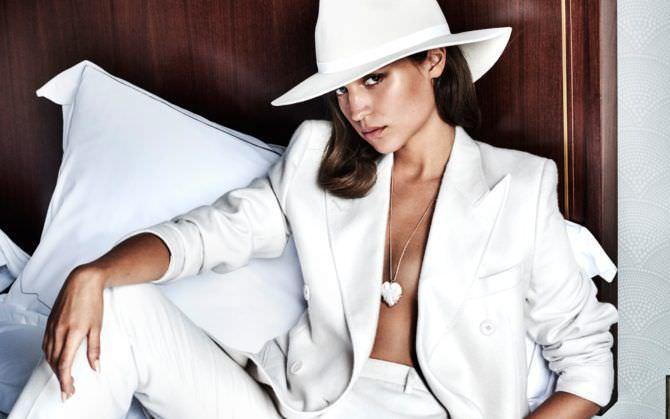 Алисия Викандер фото в шляпе