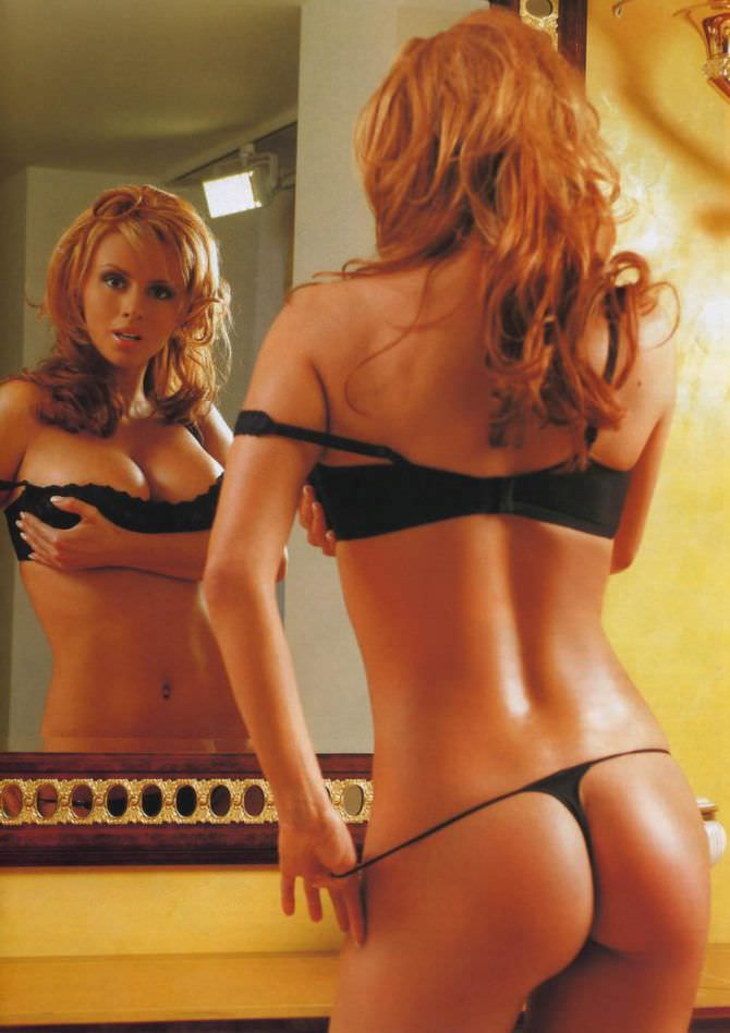 Анна Семенович фото с зеркалом