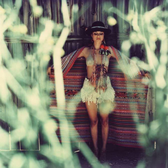 Натали Келли фото в платке