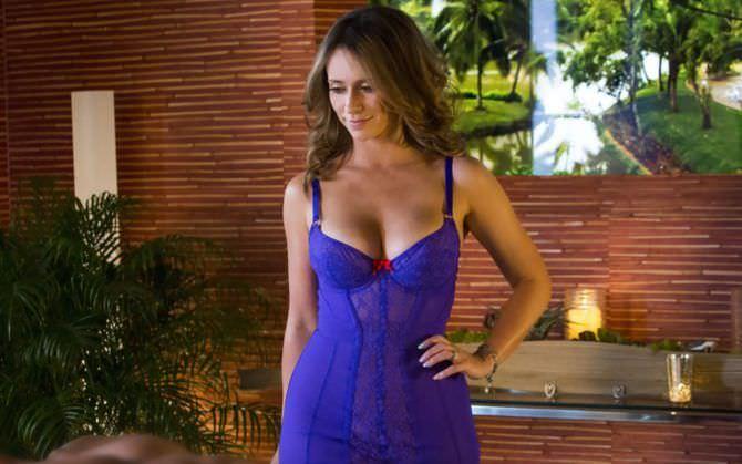 Дженнифер Лав Хьюитт фото в синем белье