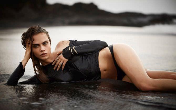 Кара Делевинь фото на пляже