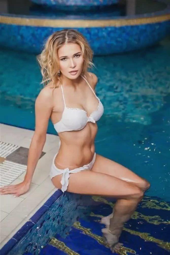 Лукерья Ильяшенко фото в купальнике