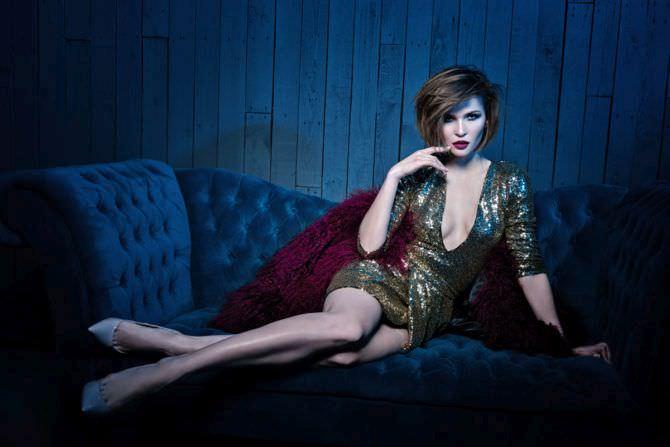 Лукерья Ильяшенко фото в золотом платье