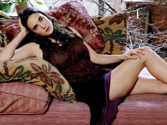 Дженнифер Коннелли фото на подушках