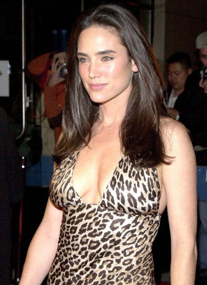 Дженнифер Коннелли в леопардовом платье