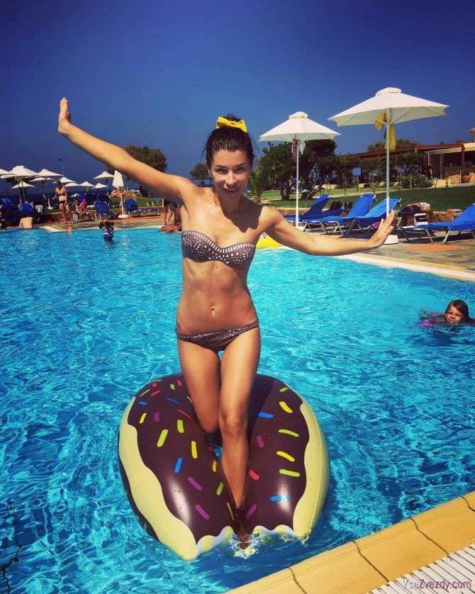 Екатерина Волкова фото в бассейне
