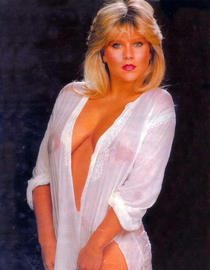Саманта Фокс фото в мокрой рубашке