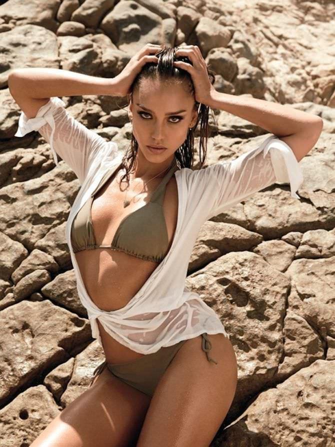 Джессика Альба фотография в купальнике