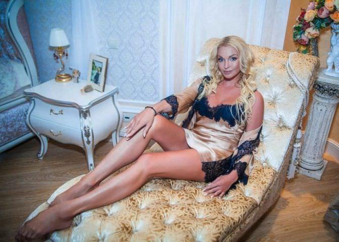 Анастасия Волочкова фото в сорочке