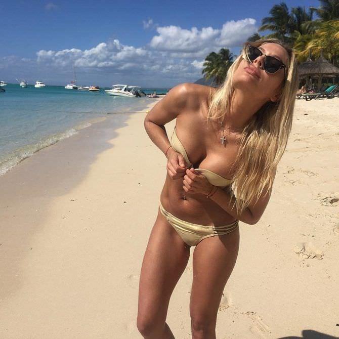 Наталья Рудова фото на пляже