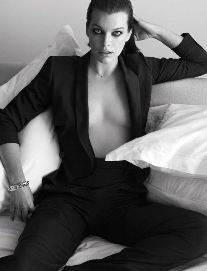 Милла Йовович фото в мужском костюме