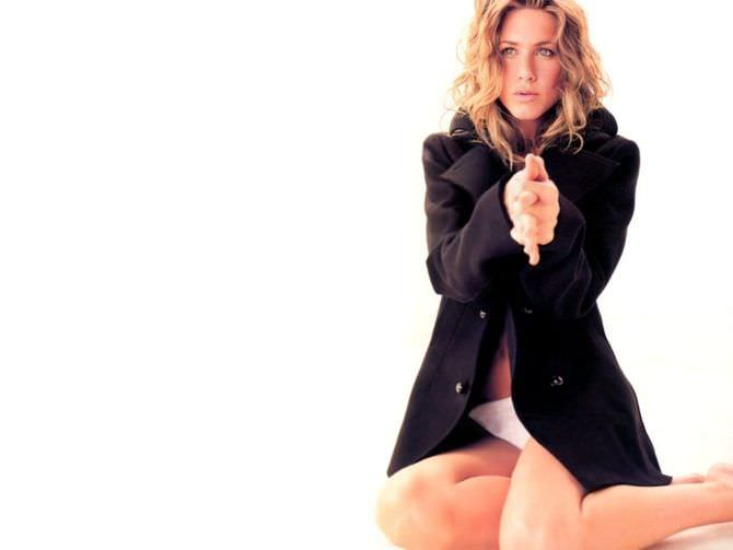 Дженнифер Энистон фотография в пиджаке
