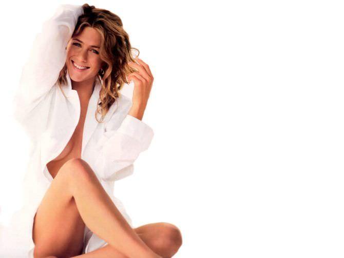 Дженнифер Энистон фото в белой рубашке