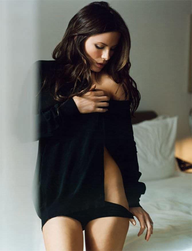 Кейт Бекинсейл фото в чёрном белье