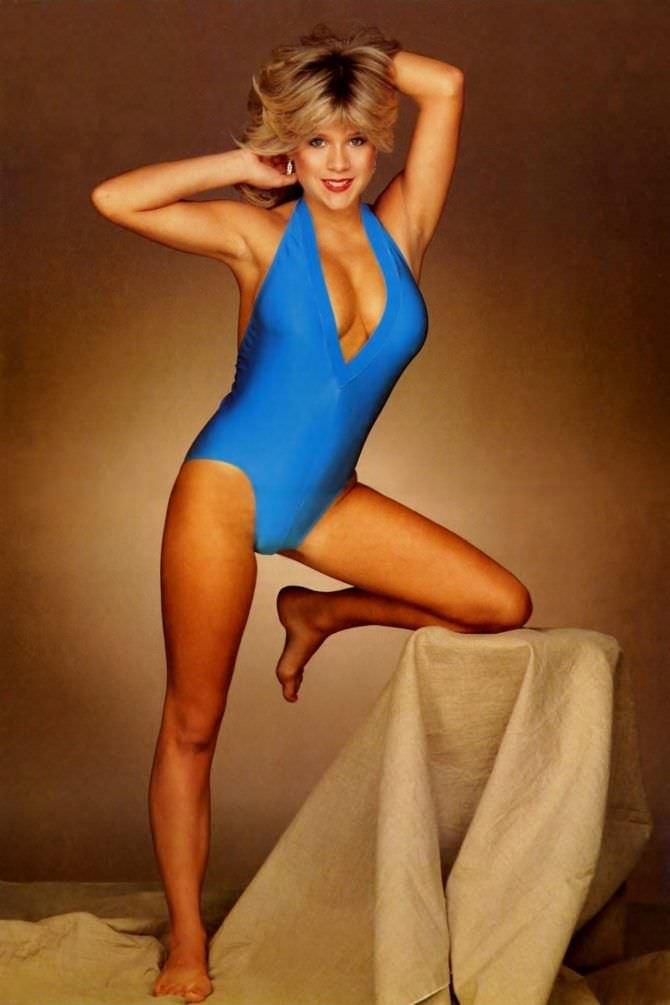 Саманта Фокс фото в голубом купальнике