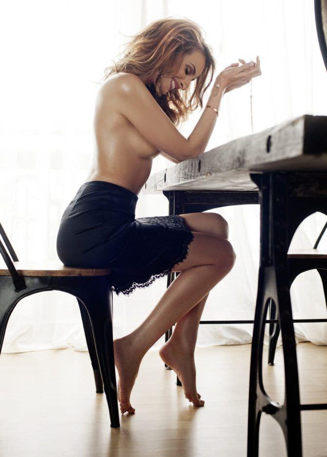 Софья Каштанова фото за столом