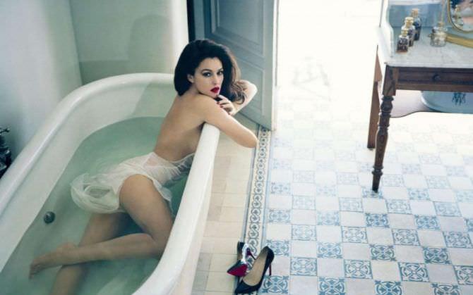 Моника Беллуччи фото в ванне