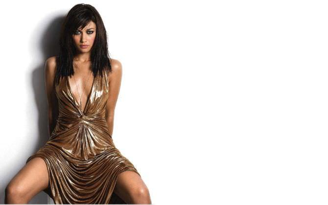 Ольга Куриленко фото в золотом платье