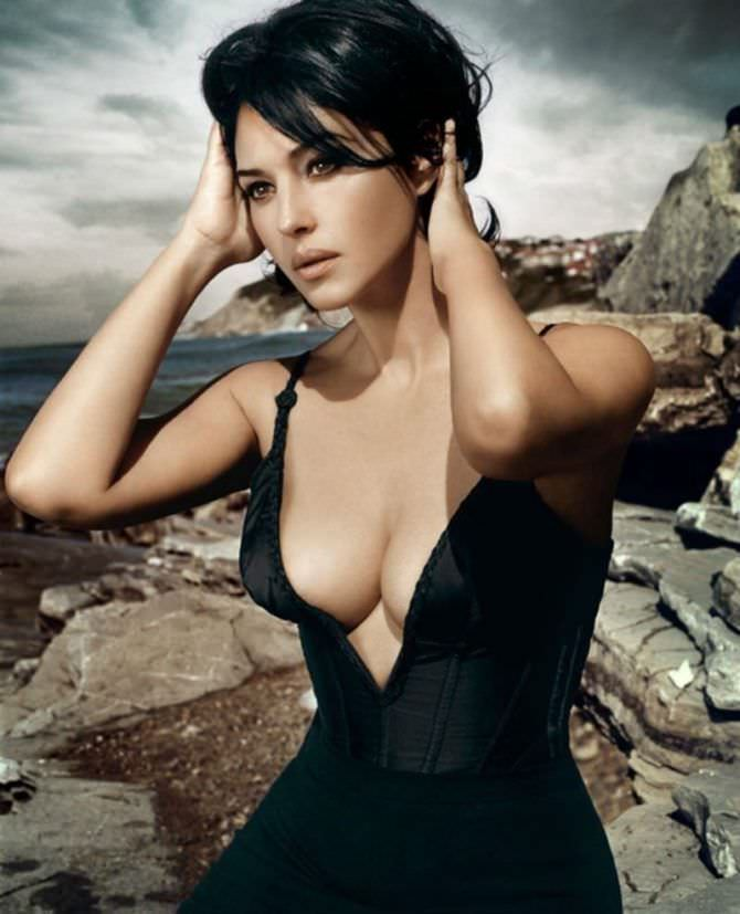 Monica Bellucci Topless, Nude Erotic Photos Of Celebrities And Sexy Actresses
