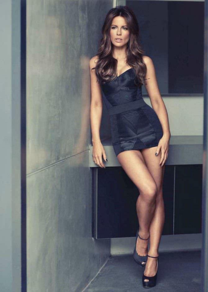 Кейт Бекинсейл фото в чёрном платье