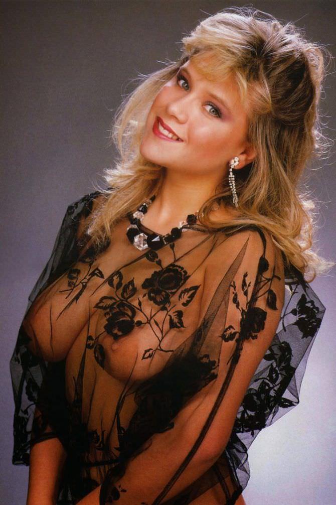 Саманта Фокс фото в блузке