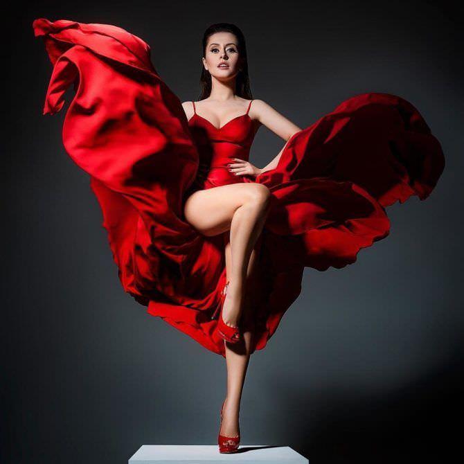 Мария Кравченко фото в красном платье