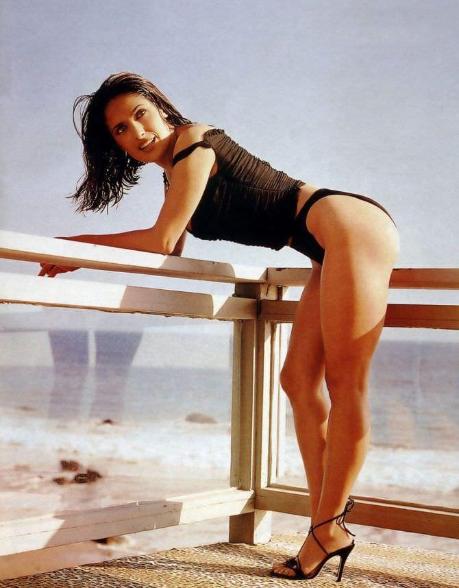 Сальма Хайек фото в купальнике для журнала