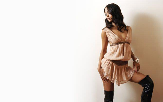 Зои Салдана фото в лёгком платье
