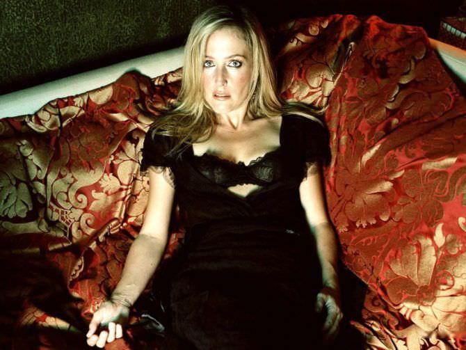 Джиллиан Андерсон фото в чёрном платье