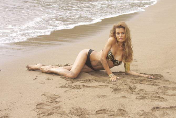 Виктория Боня фото на пляже