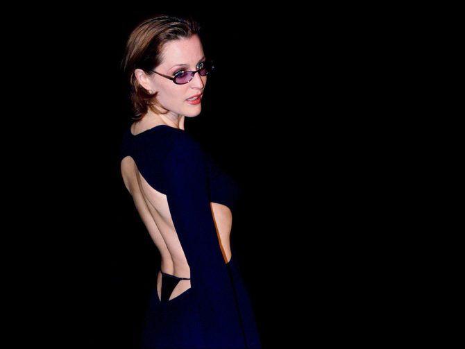 Джиллиан Андерсон фото в платье с открытой спиной