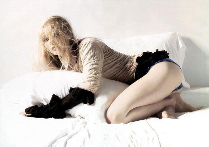 Гвинет Пэлтроу фото в постели