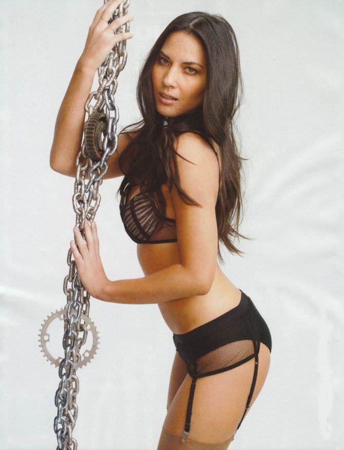 Оливия Манн фото с цепями