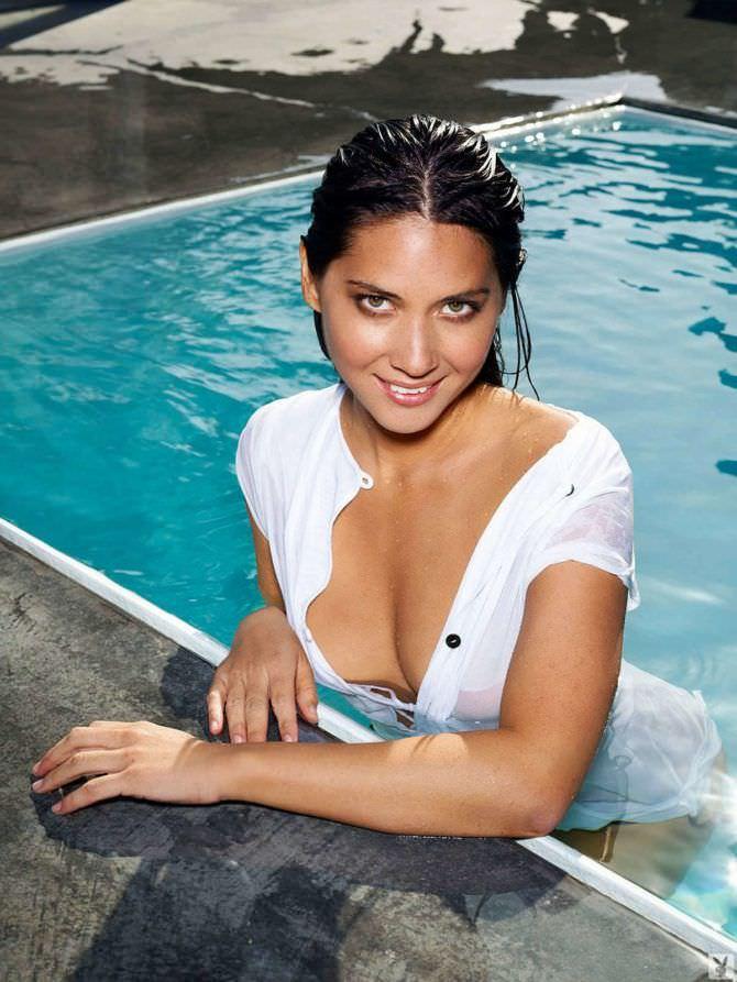 Оливия Манн фото в бассейне