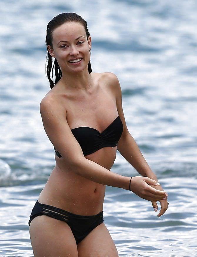 Оливия Уайлд фото на пляже