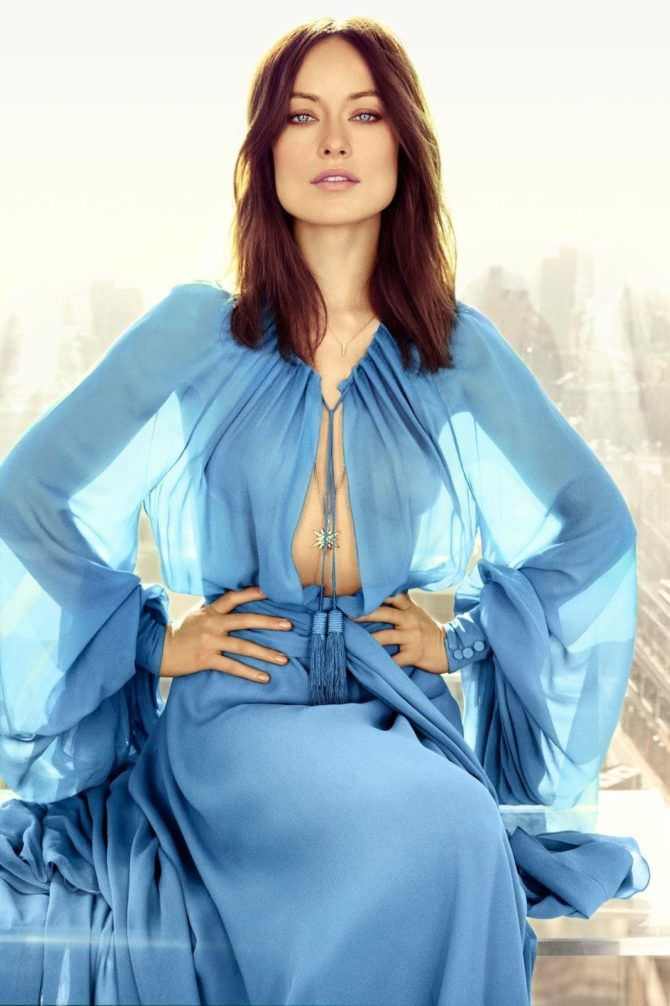 Оливия Уайлд фото в голубом платье