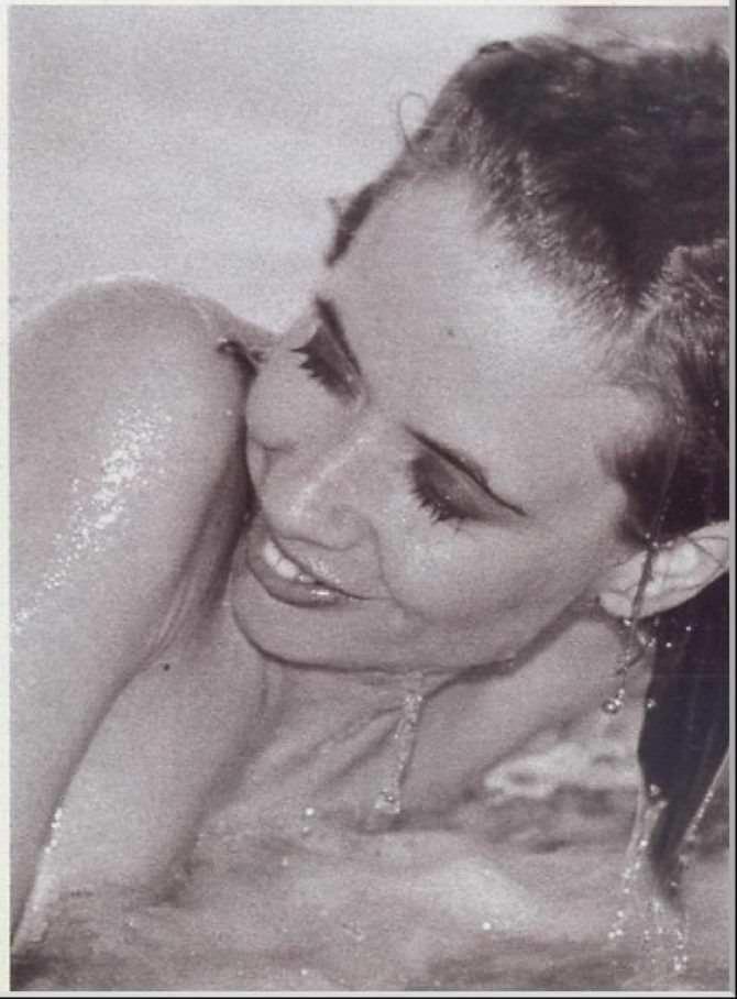 Розанна Аркетт фото в воде