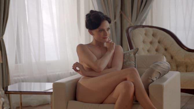 Лара Пулвер кадр из фильма Шерлок