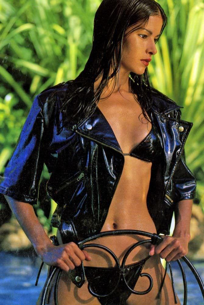 Патрисия Веласкес фото в куртке