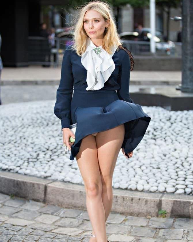 Элизабет Олсен фото в синем платье