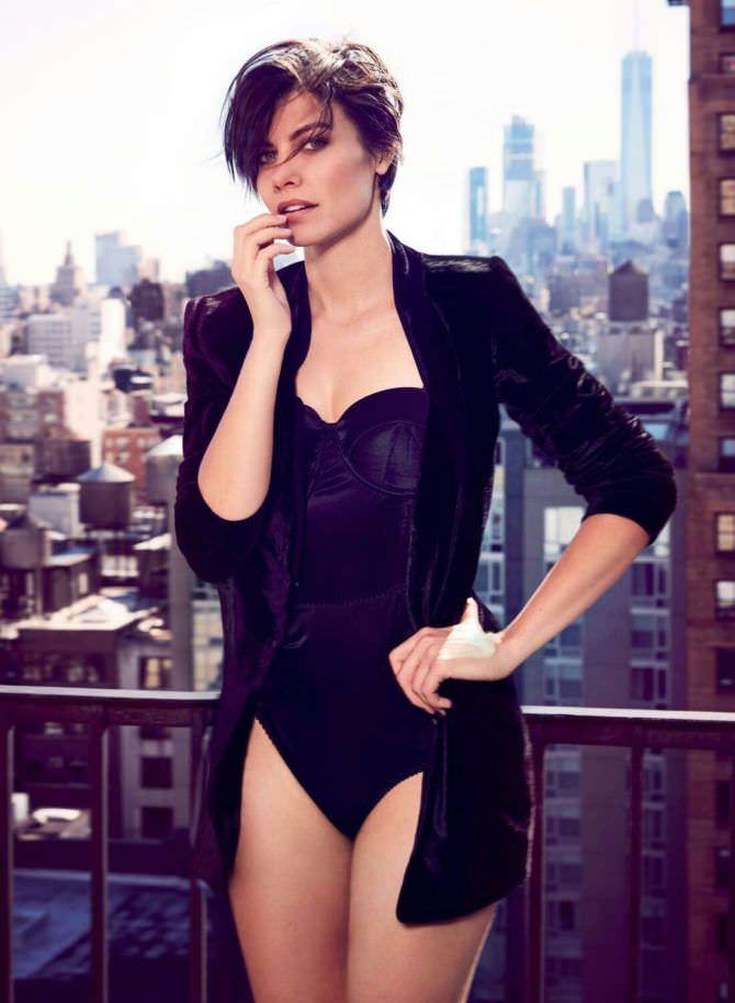 Лорен Коэн фото в пиджаке