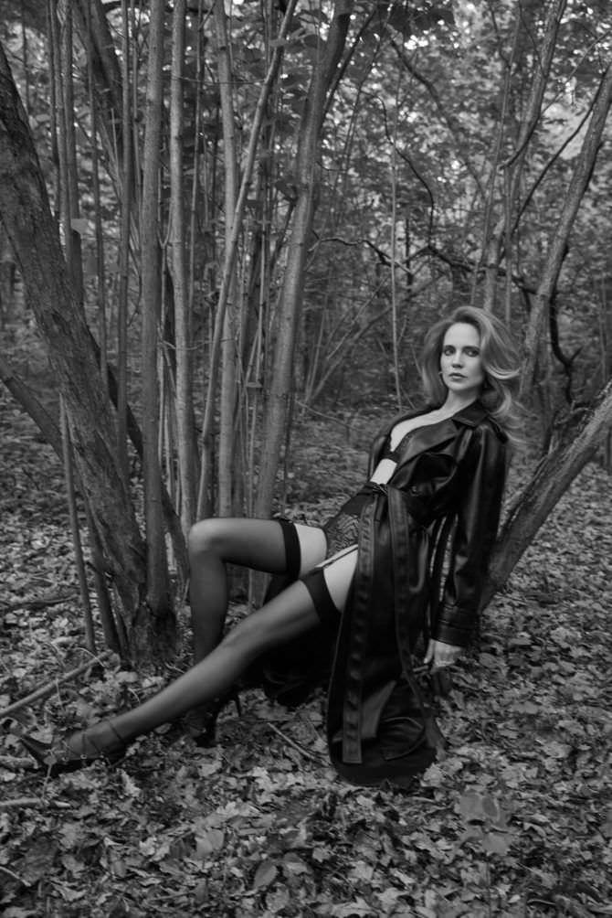 Наталья Ионова фотосессия в лесу
