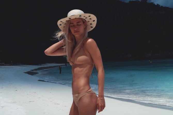 Юлия Паршута фотография в шляпе
