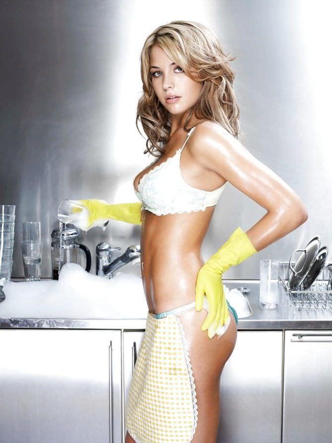 Джемма Аткинсон фото на кухне