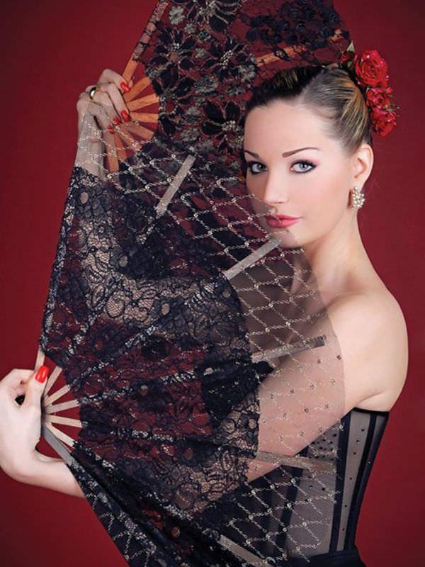 Мария Максакова фотография в корсете